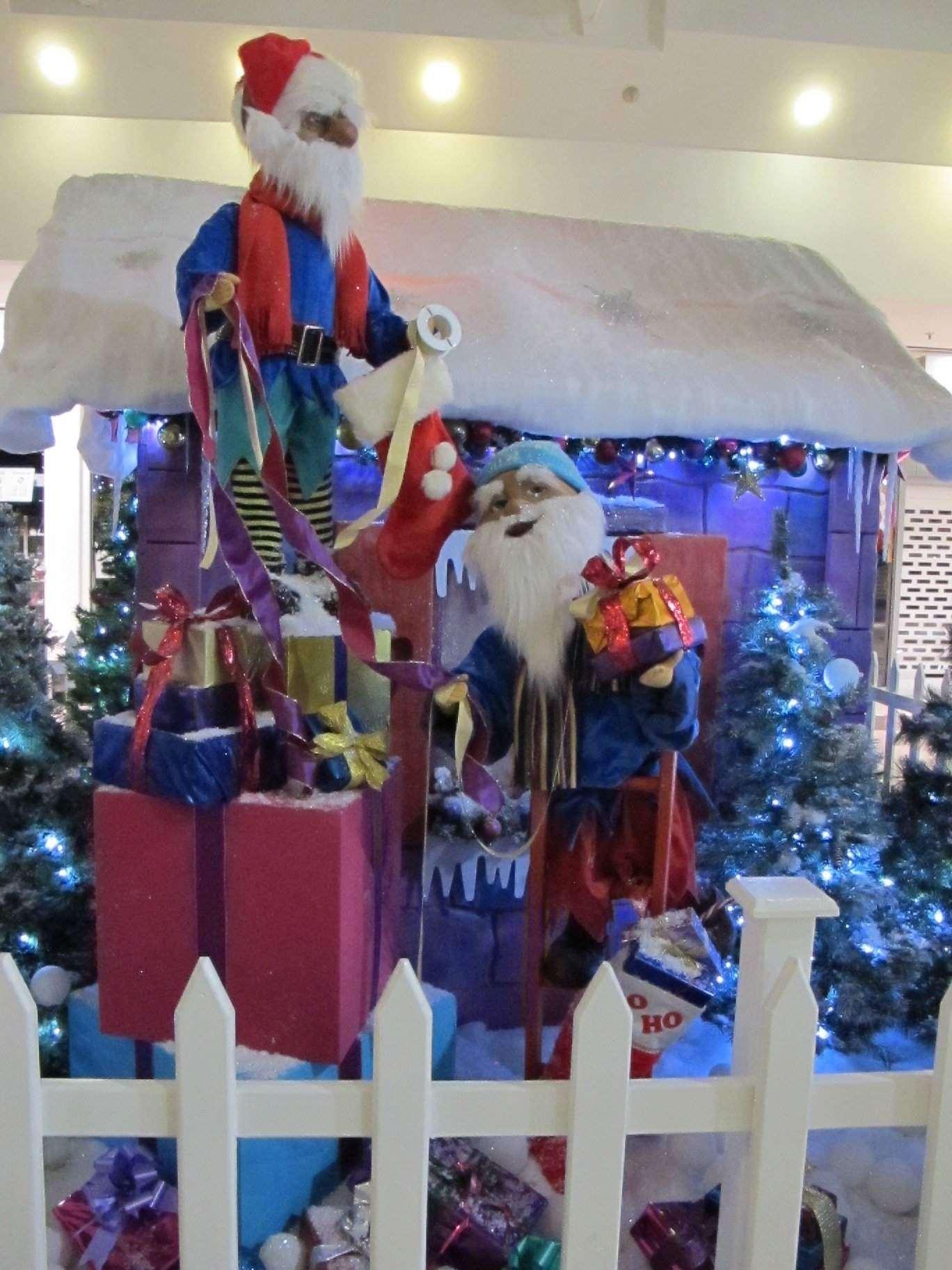 Philippa Christmas Decs
