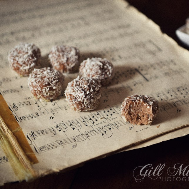 Rum and Chocolate truffles are super easy to make and wonderful to eat!