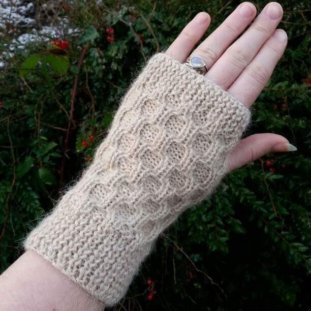 Eva Christie Hand Knitting 3