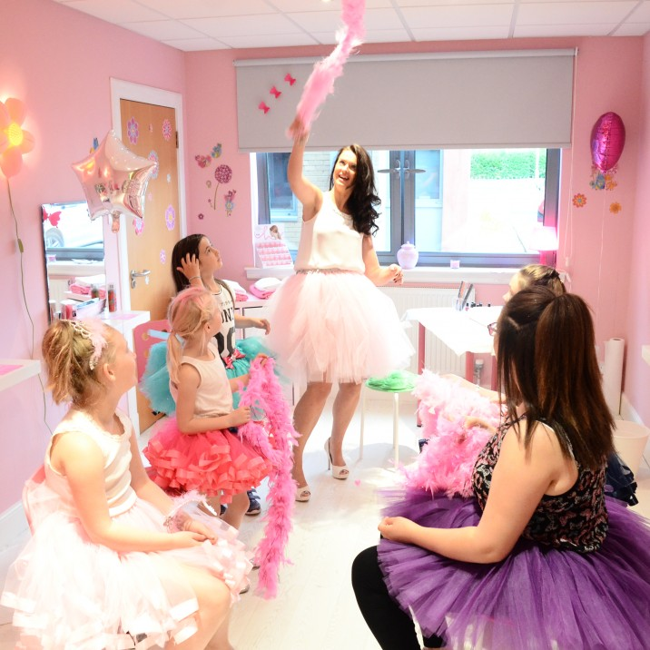 A gorgeous pink salon for the little princess in your life.
