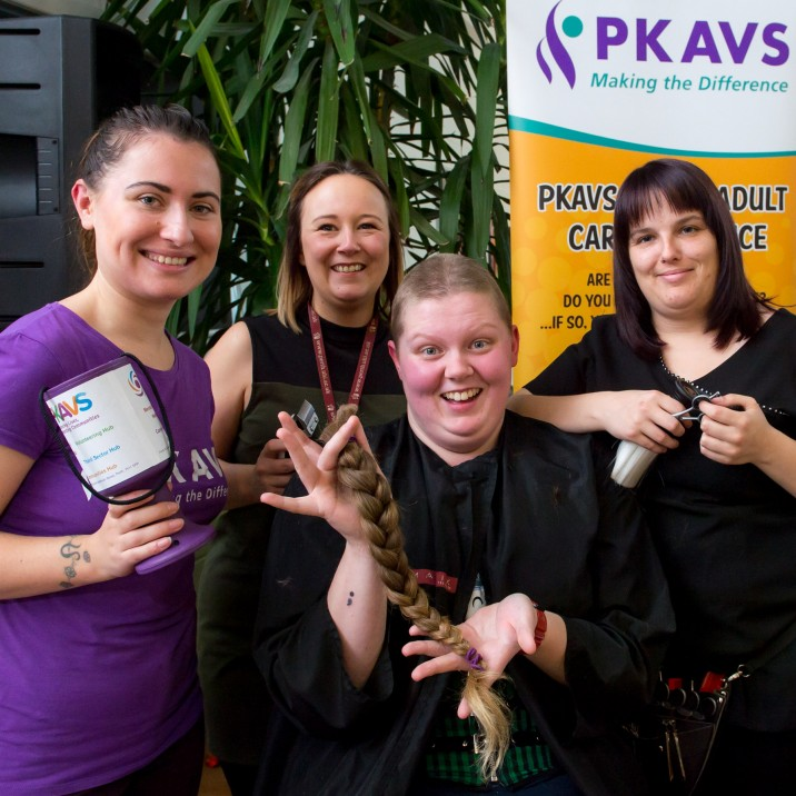 Amy Rose head shave to raise funds for PKAVS.