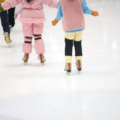 Dewars Centre offers a state-of-the-art curling ice rink and indoor bowling arena in Perth.
