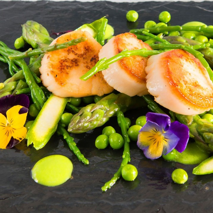 The Scottish Scallop is a glorious thing! Wilde Thyme make it even more stunning with peas, asparagus and seasonal greens.