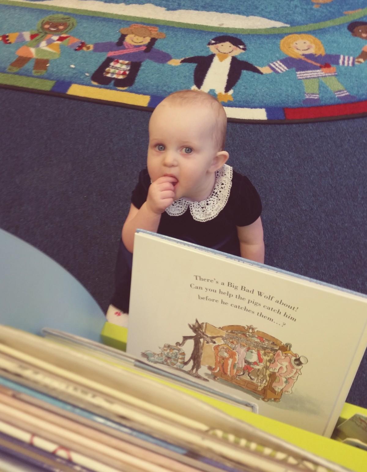 Library Freya behind bookshelf resize