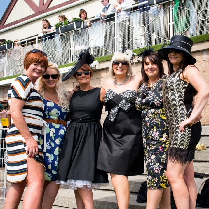 Ladies day 2016 at Perth Racecourse was a great day.  The sun was shining and everyone was having a great time.
