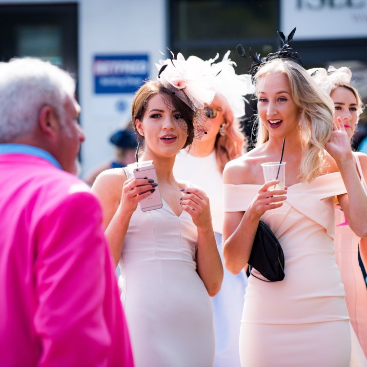 Ladies Day at Perth Racecourse 2016