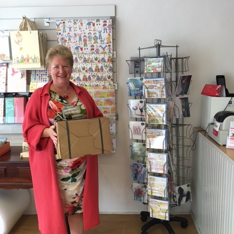 Pharos Parcel in Perth UK are proud to be Perth's only independent one stop parcel shop.