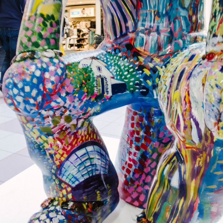 �GG� in St Johns shopping Centre by Gray�s School of art graduate Shelagh Swanson. Shelagh�s Wullie is a celebration of Scotland�s most iconic Architecture and Design in honour of 2016 being Scotland�s Year of innovation, Architecture and Design.