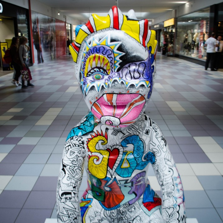 This Scot Spirit Oor Wullie is brightly coloured and stands out.  The poem that is etched in grafitti around his body is 'Gin A Body Meet A Body'