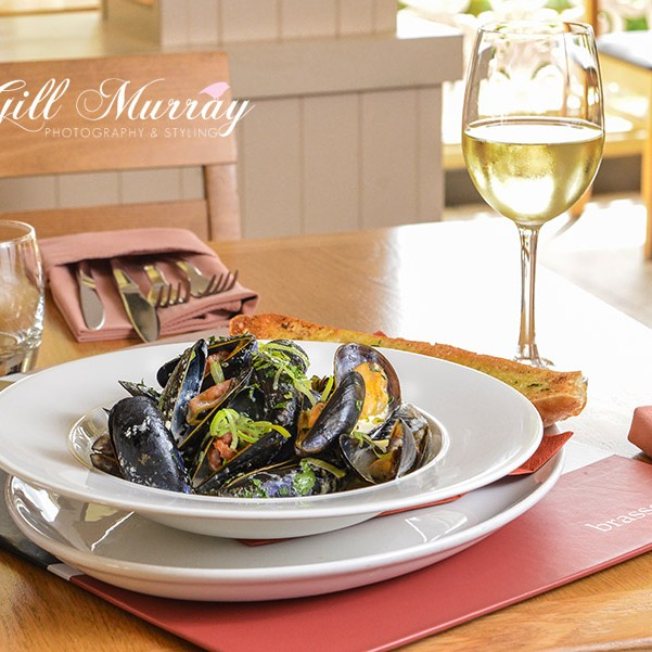 This week Gill visited Crieff Hydro and got this Small City Recipe of Shetland Mussels with Leek, Smokey Bacon & Cider courtesy of The Brasserie at Crieff Hydro.
