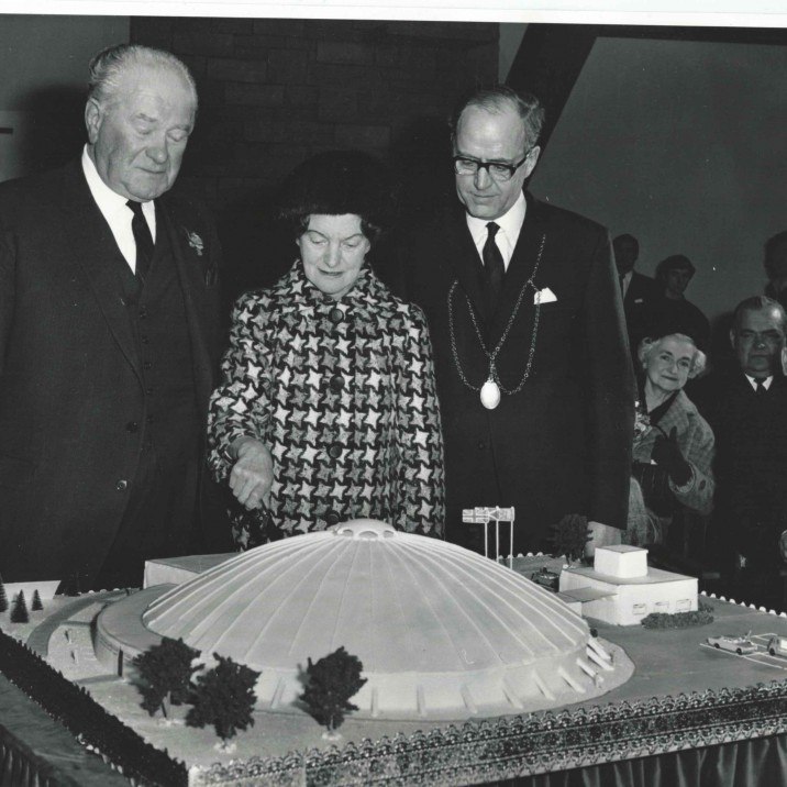 The cutting of the massive Bells Sports Centre Cake at the opening in 1968.