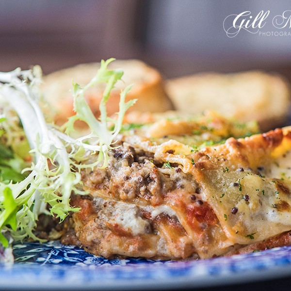 Gill headed of to the wonderful bar and restaurant McKays in Pitlochry Perthshire and sampled their delicious haggis lasagne.  It's a great use of this traditional Scottish ingredient in wholesome hearty cooking.