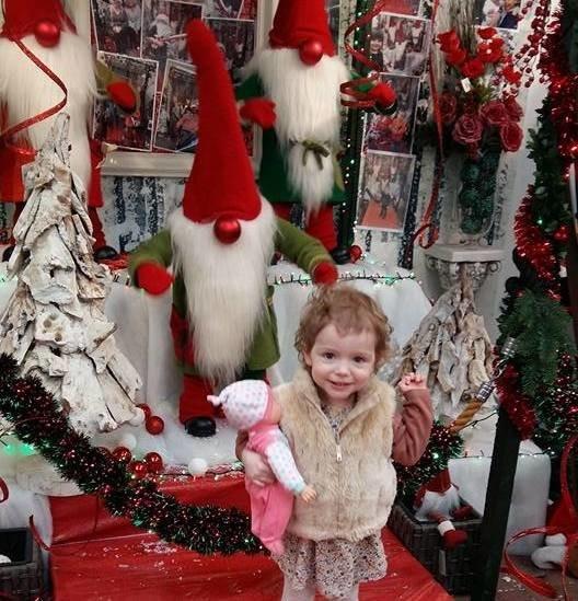 Santa Search elfie selfie