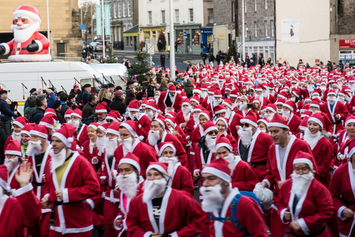 Calling all you runners! Perth's Santa Run needs your red velour clad legs!