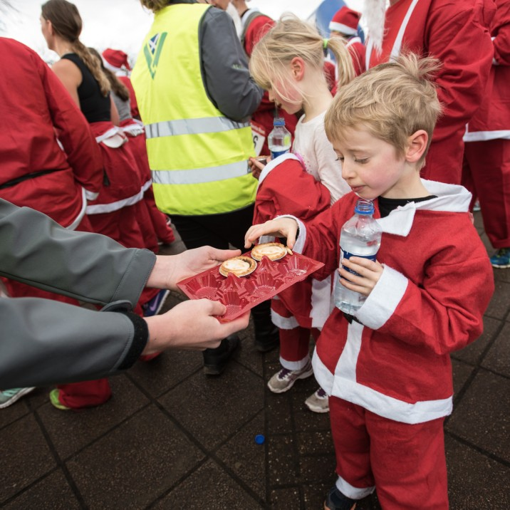 Runners were well looked after with mince pies after the race!