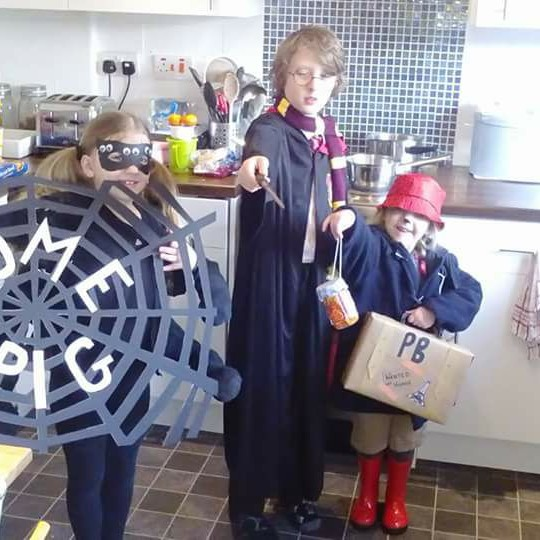 This talented trio rocked it as Charlotte's Web, Harry Potter & Paddington Bear!