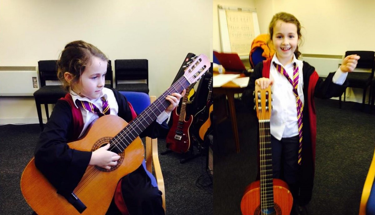 Ukelele girls playing