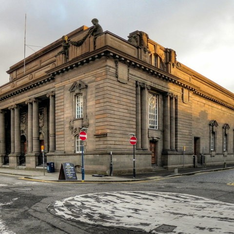 Perth and Kinross Council has unveiled plans for the City Hall to be converted into a visual arts attraction in the city centre.