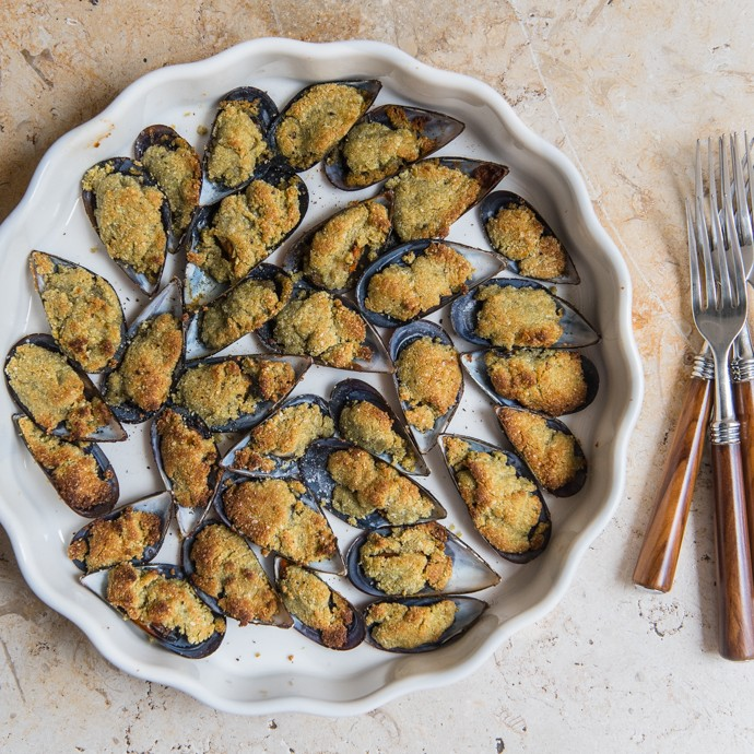 Tasty Almond mussels - dig in!