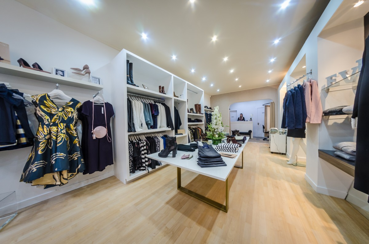 Modern fashion boutique in Perth providing a host of footwear, clothing & accessories.