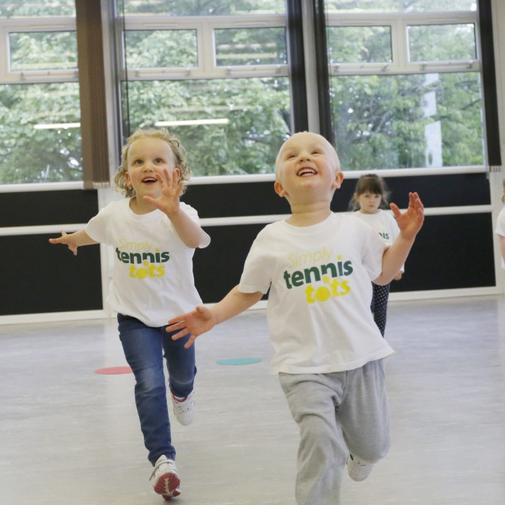 Simply Tennis Tots is an energetic & fun introduction to tennis for 2.5 - 6 year olds.