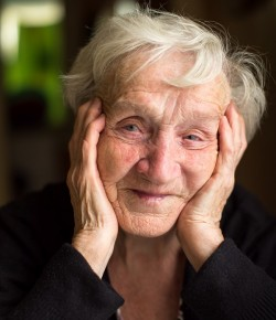 Part of Scotland's prestige Luminate Festival 2017, exploring the creativity of ageing, IN HER OWN WORDS, Rivendell Stories is a verbatim theatre performance developed from Rivendell Care Home residents' stories and memories by award winning playwright Lesley Wilson, and performed by professional actors.