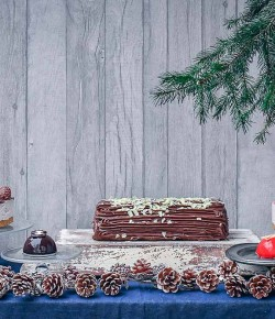 Graeme 'The Cake' Maxwell has launched his first online cake and dessert shop in time for Christmas 2017! Go on, pass it off as your own, we dare you!