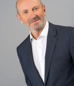 In May 1988 at the age of 31, Fred MacAulay looked at how his life was going and decided to do something radical. Working as a Financial Accountant and Company Secretary unbelievably just wasn't fulfilling enough! He entered a 'So You Think You're Funny' competition at Glasgow's Mayfest and with scarcely 5 minutes of his own material walked on stage as a stand-up comedian for the very first time.