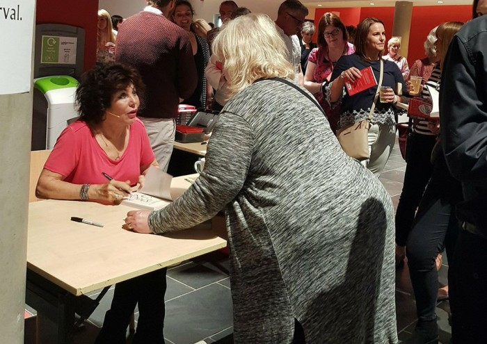 Ruby Wax Frazzled-  Signing