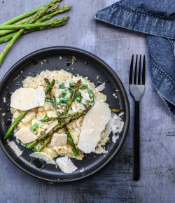 This wonderful  asparagus lemon risotto proves once again that nothing beats the foodie marriage between Scottish ingredients and Italian cooking.
