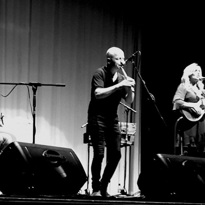 Husband and wife folk duo John McCusker and Heidi Talbot raise the roof at Birnam Arts Centre.