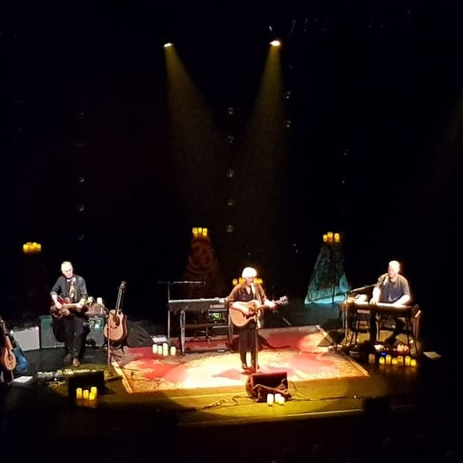 GRAHAM NASH REVIEW- ONSTAGE
