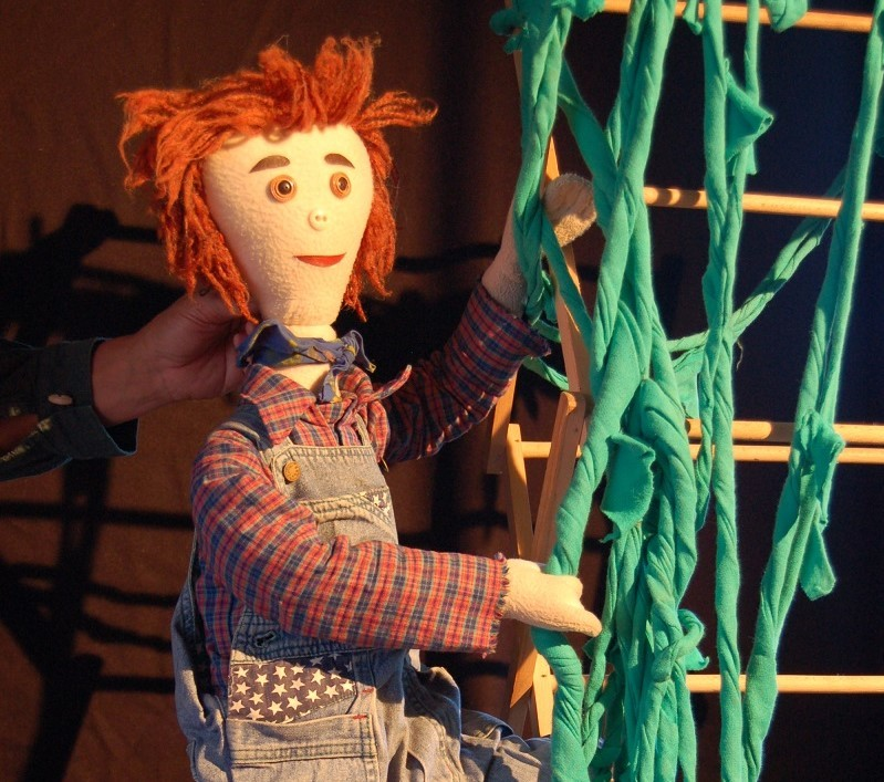 It's Santa Day and Birnam Arts in Perthshire presents two childrens shows in one – Jack (And the Beanstalk) and Billy (Goats Gruff)!