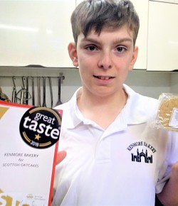 When it comes to scooping fine food awards, novice baker Steven Mitchell can mix it with the very best. The 14 year old's awesome oatcakes wowed judge