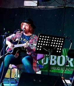 Ian McNabb- Backstage at the Green