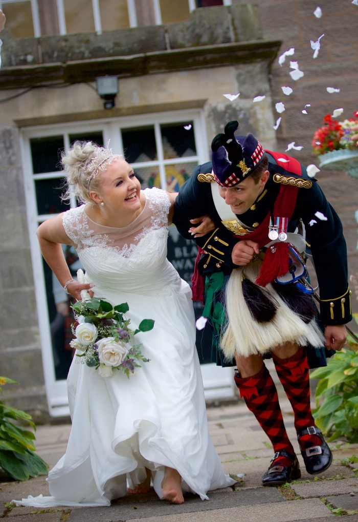 Another happy newlywed couple at the Balhousie Castle!