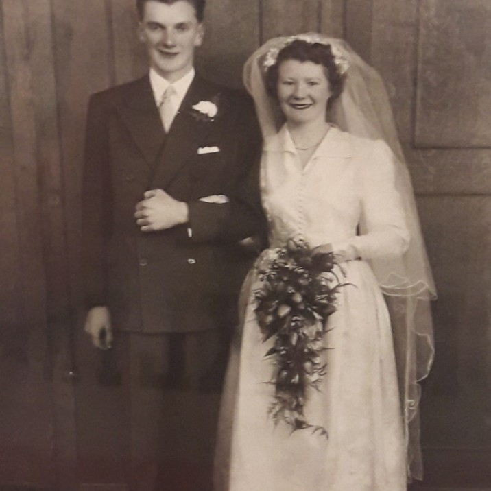 Jane sent us in this pic of her mum and dad, Effie & Sandy Lindsay married in the West Church on the 20th of April 1954.