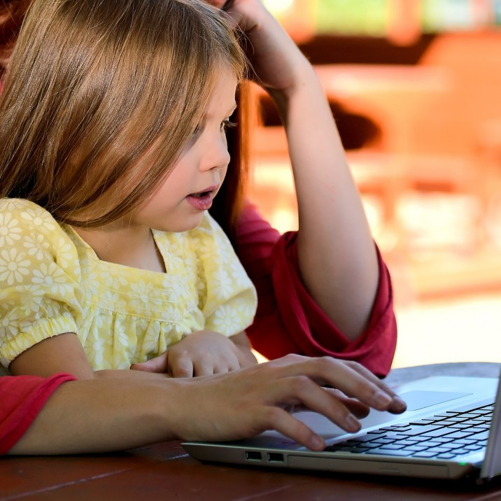 Keeping your kids safe online - a guest article by David from QWERTY IT Services