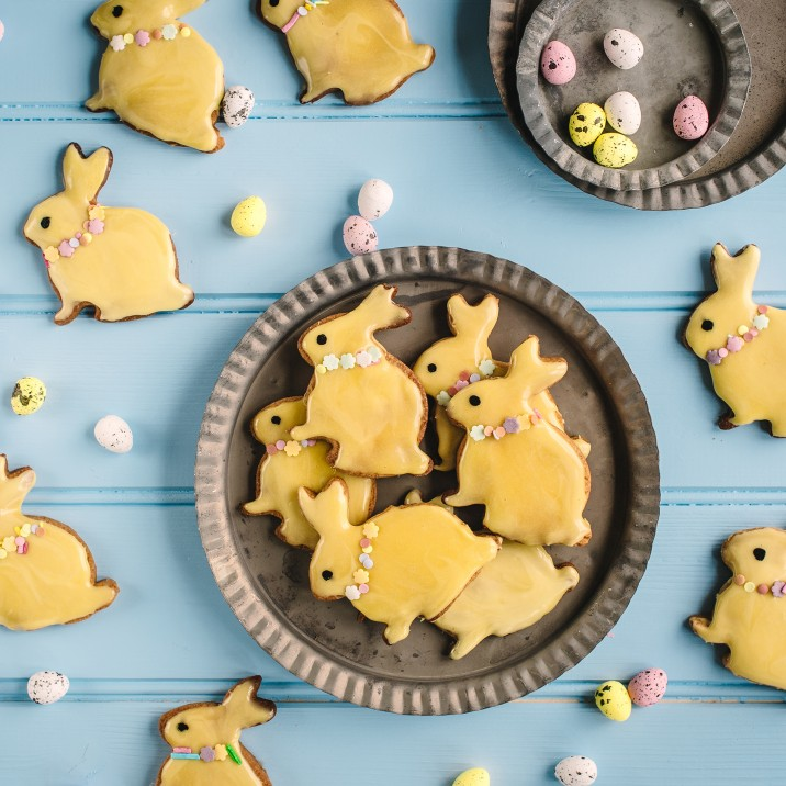 What to bake with kids? Try these sweet bunny and rabbit shaped biscuits