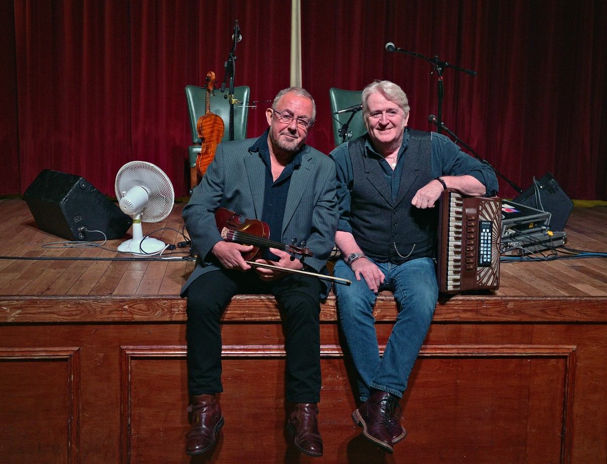 Presenting Aly Bain and Phil Cunningham