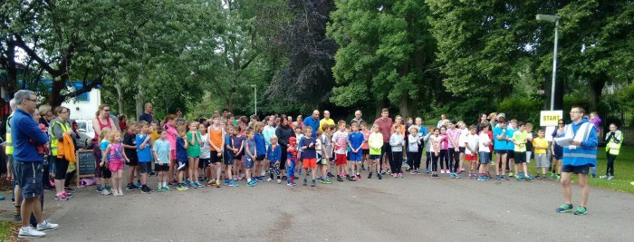 A group ready to run for Junior Parkrun!