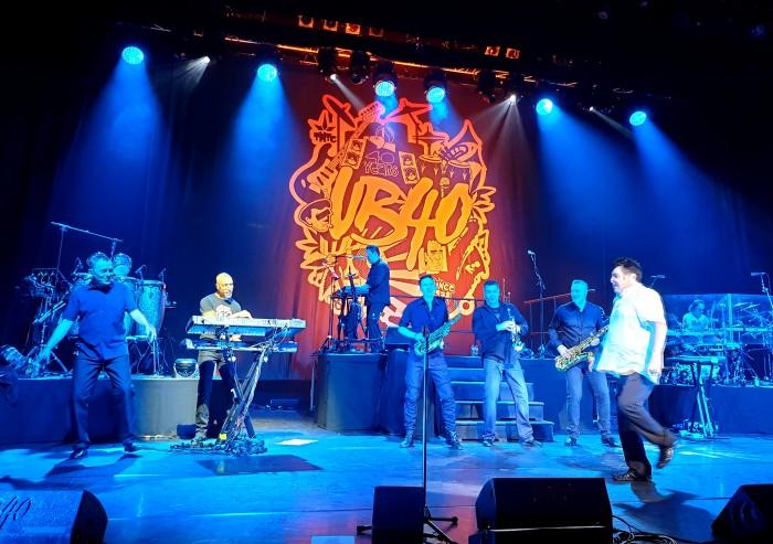 UB40- Onstage