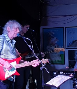 Albert Lee is one of the worlds greatest guitarist, revered by the likes of Clapton and Jimmy Page for his unique picking style and breakneck speed.