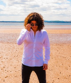 Kyle Falconer of The View has recently embarked upon a solo career.  He talks to us about music, Liam Gallagher and life as a family man.