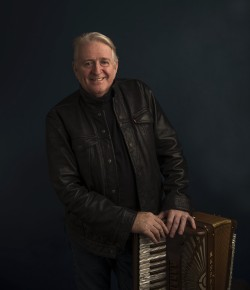 Following the huge success and popularity of Phil Cunningham's Christmas Songbook over the last 13 years, he will be returning to Perth Concert Hall.