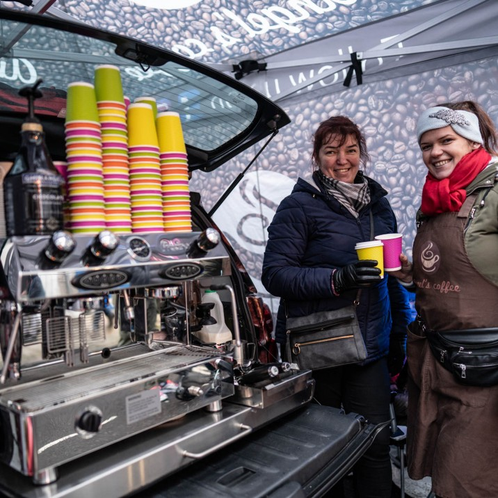 Hot drinks were essential fuel for this chilly winter event.