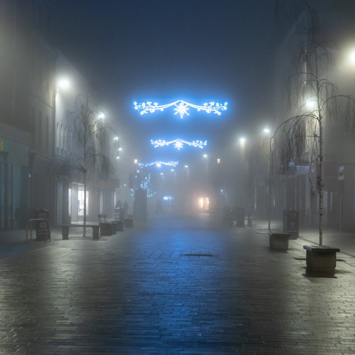 Perth High Street looks almost alien in this stunning fog filled photograph.