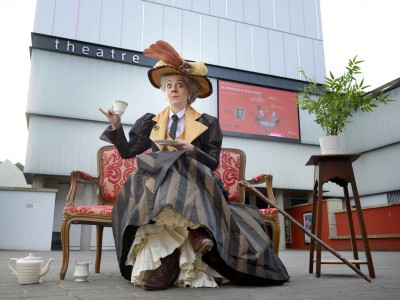Karen Dunbar will be a Scottish Lady Bracknell!